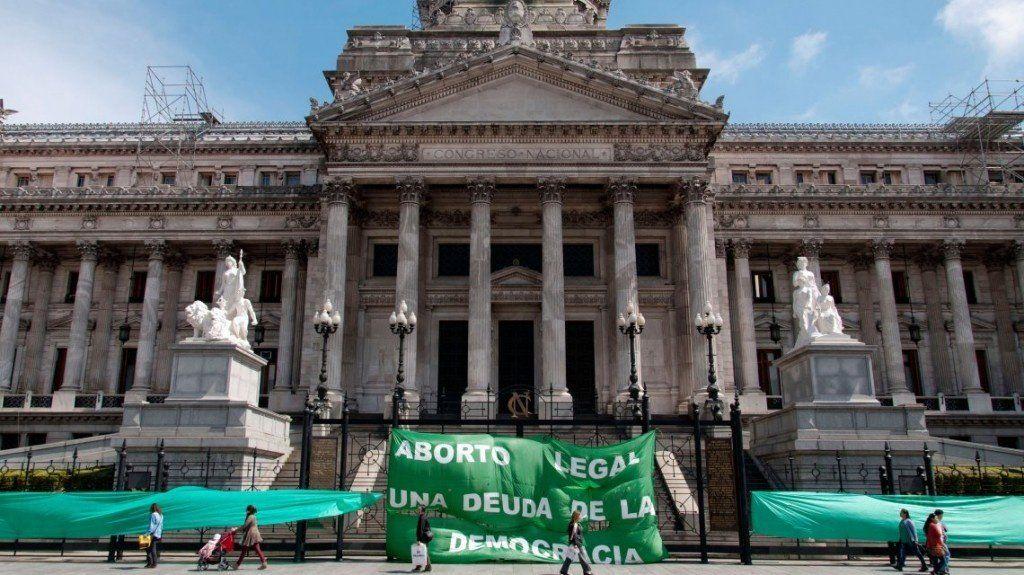 Tuitazo y marcha al Congreso por el aborto legal, seguro y gratuito