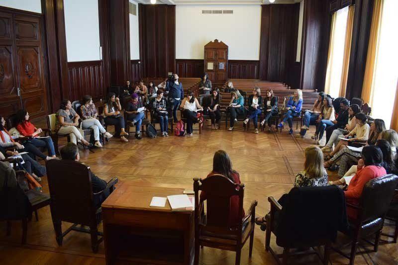 Se realizó una mesa de diálogo sobre acceso a la justicia de género