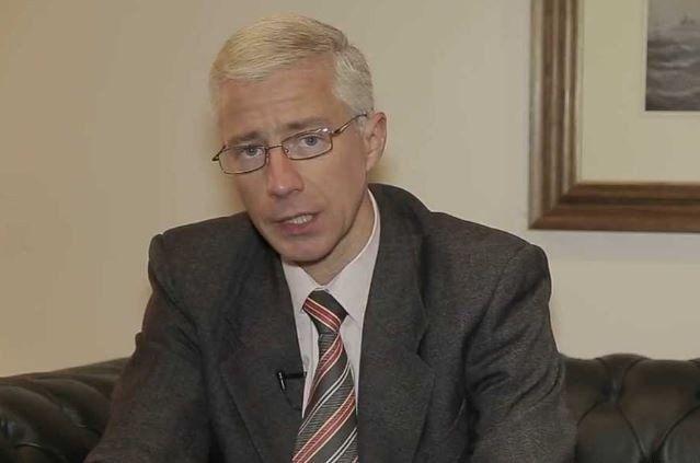 Robinson señaló que la Argentina tiene un problema de confianza externo