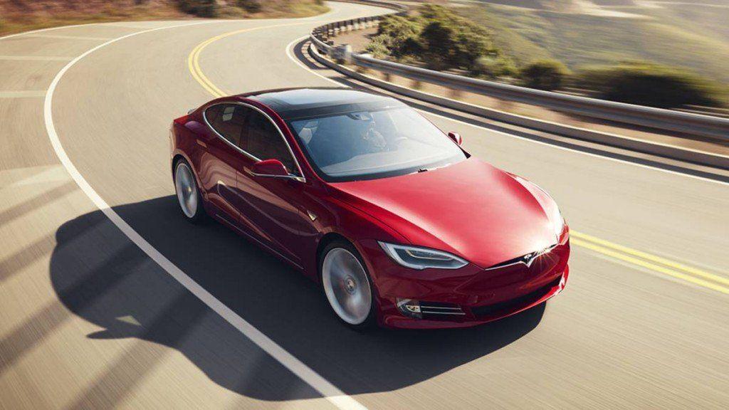 Llega Tesla, el auto libre de gases contaminantes