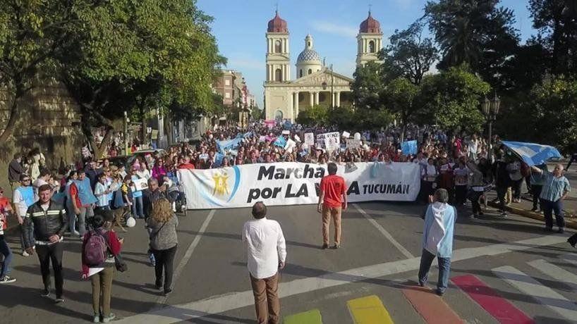 Salvemos las dos vidas: Miles de personas marcharon contra la despenalización del aborto
