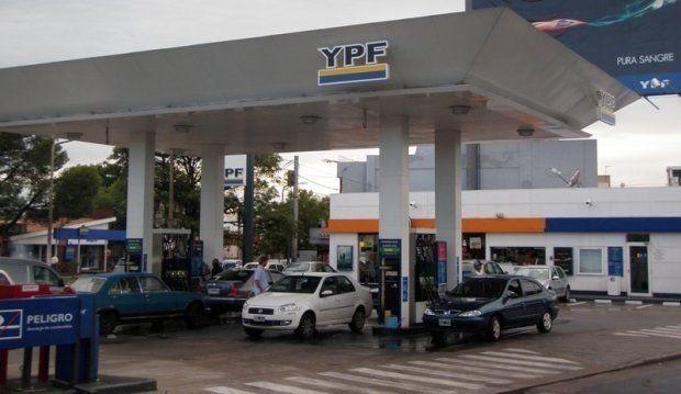 Advierten sobre problemas en la entrega de combustible a empresas