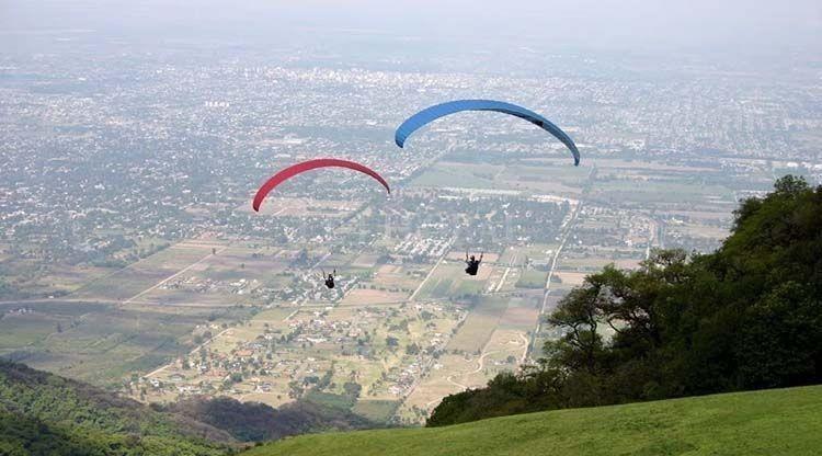 Los parapentes serán parte del paisaje tucumano