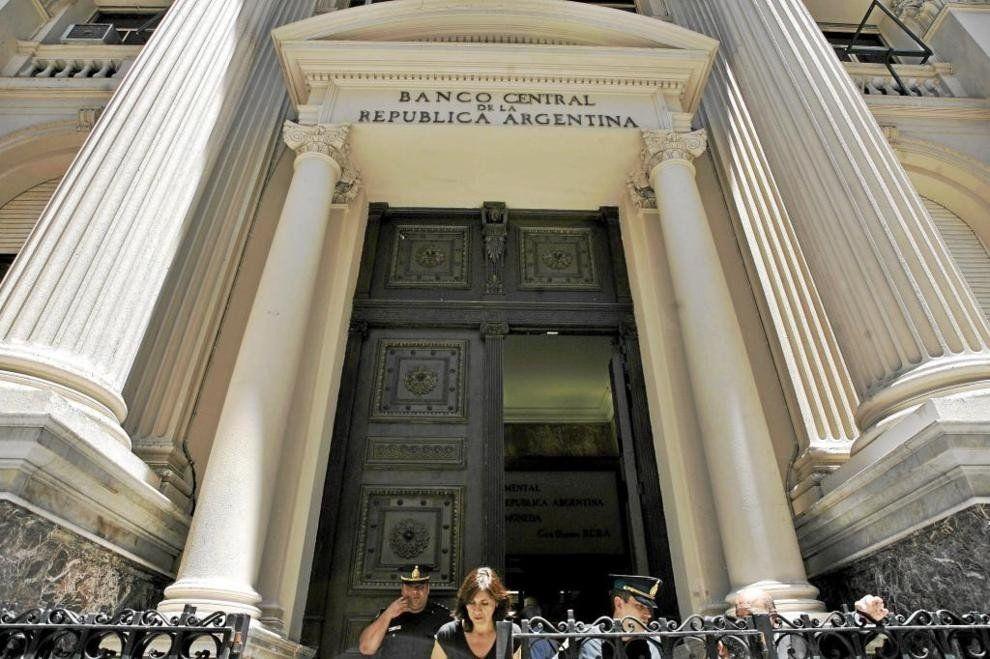 El Banco Central realizó la cuarta suba de encajes en dos meses