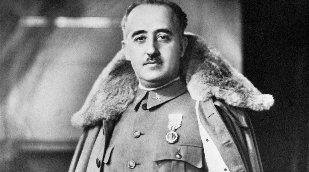 El gobierno español permitirá exhumar los restos de Francisco Franco