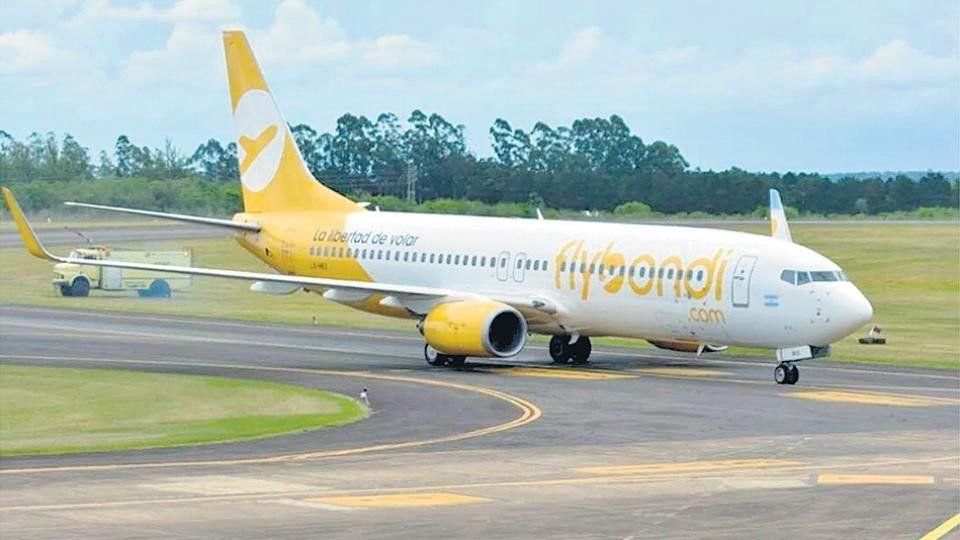 Por una falla técnica, un vuelo de Flybondi volvió a tierra después de despegar
