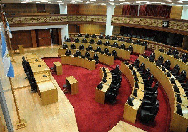Legisladores cuestionaron las declaraciones de Alfredo Caseros