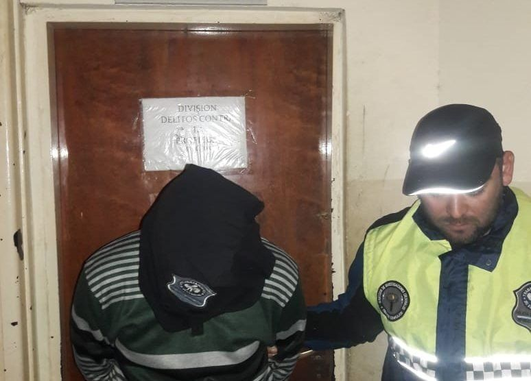 La Policía detuvo a uno de los ladrones filmados en un robo