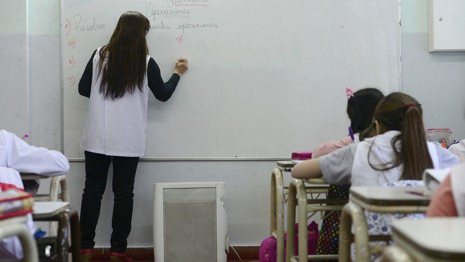 Elaboran un informe sobre el impacto de la inflación en el salario docente