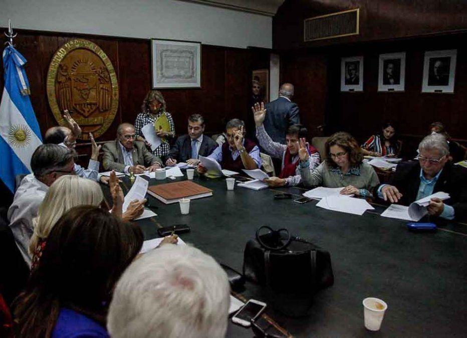 El Consejo Superior de la UNT aprobó un informe de Canal 10