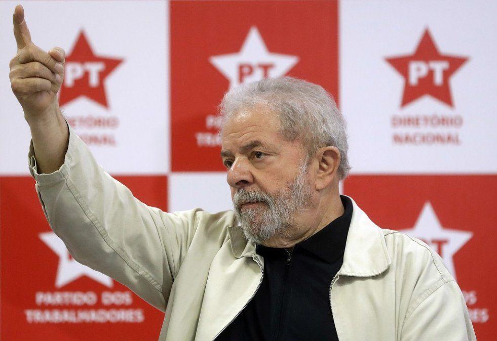 El PT de Brasil afirma que no renunciará a la candidatura presidencial de Lula