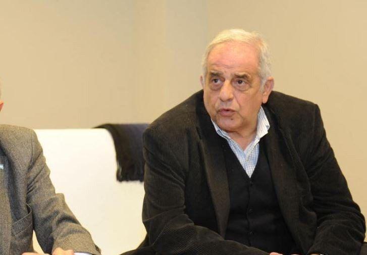 Succar consideró que el país debe cambiar su matriz productiva y exportadora