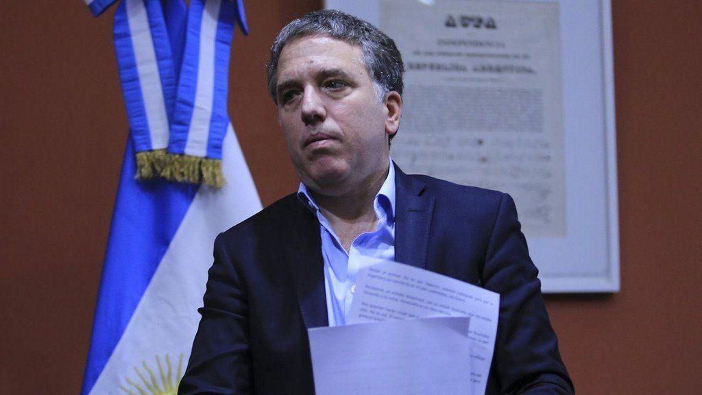 Dujovne afirmó que el nuevo acuerdo se hizo para despejar incertidumbres