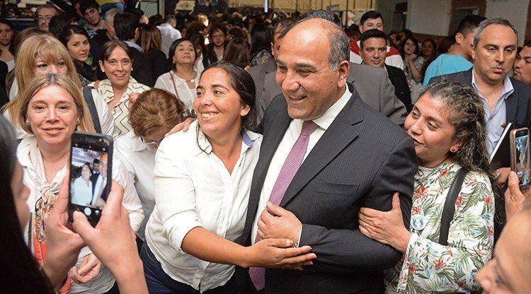 """Juan Manzur: """"Defendemos la educación pública en todos sus niveles"""""""