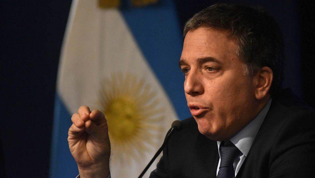 Nicolás Dujovne continuará como ministro de Hacienda