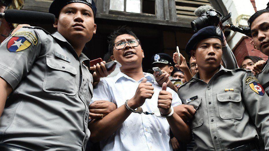 Birmania: condenaron a 7 años de cárcel a los periodistas que revelaron una matanza de rohinyas