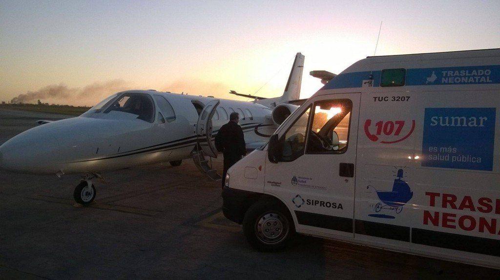El avión sanitario de la provincia realizó con éxito el traslado de dos menores