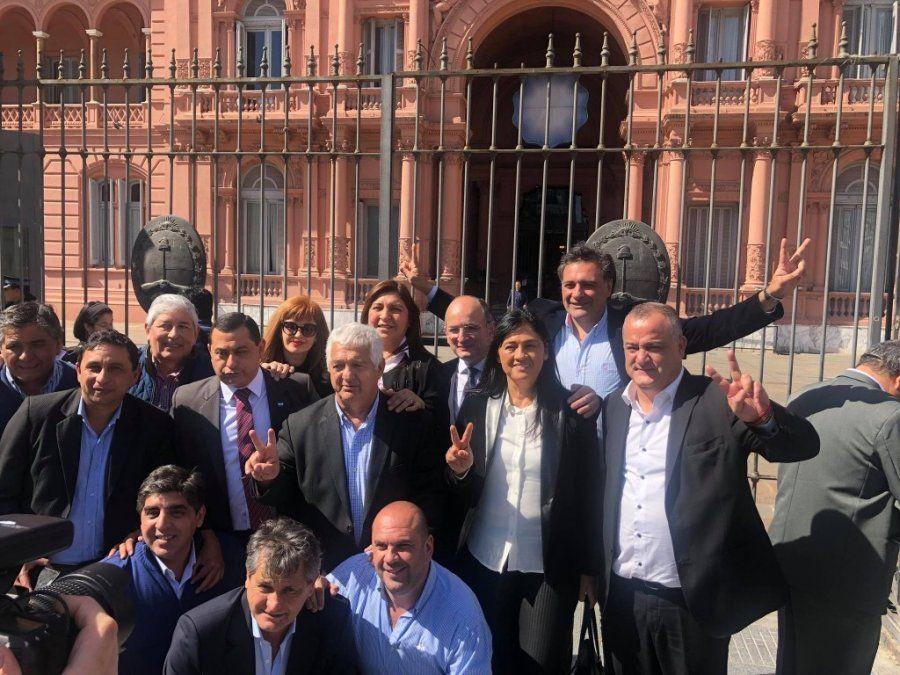 Intendentes y delegados comunales tucumanos se manifestaron en Buenos Aires
