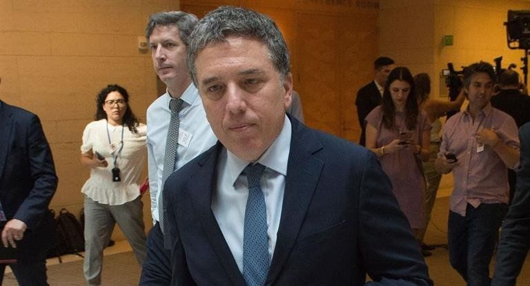 Dujovne negó una negociación para obtener dinero fuera del FMI