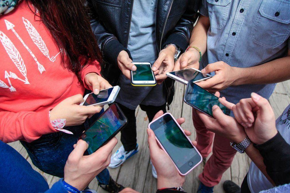 Jóvenes británicos desearon que las redes sociales no se hubieran inventado