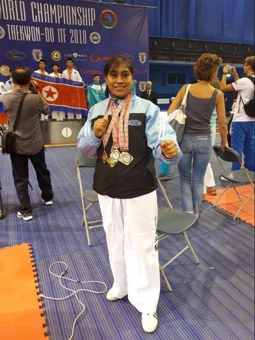 Cumplió el sueño de llegar a un Mundial de Taekwondo y se trajo cinco medallas