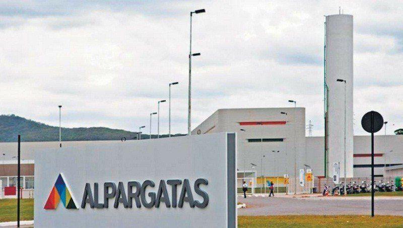 Trabajadores de Alpargatas temen por posibles despidos