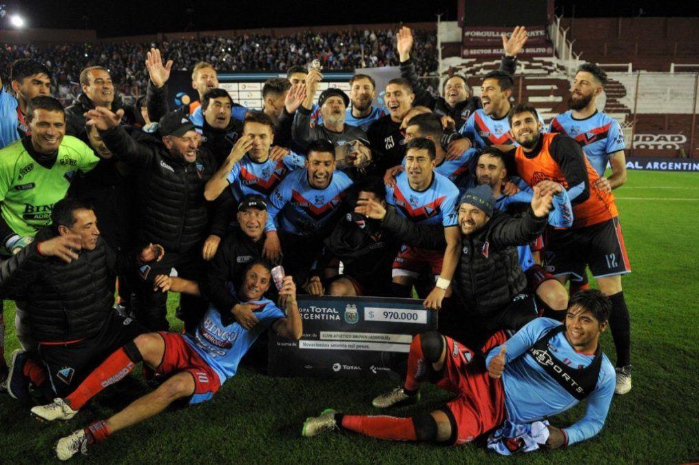 Brown de Adrogué eliminó a Independiente