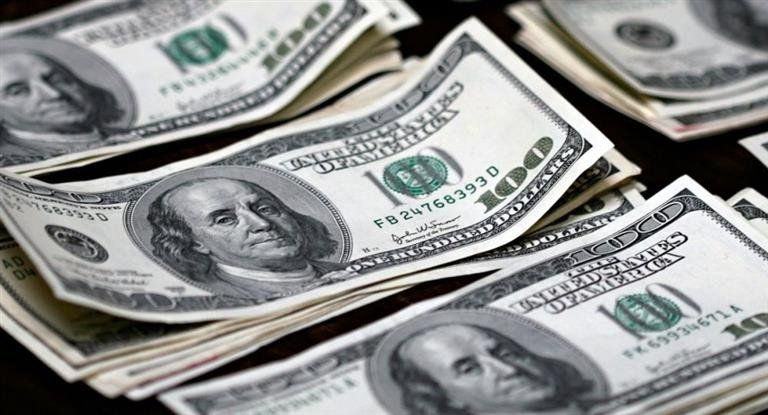 El Banco Central reapareció para contener la suba del dólar, que igual saltó a $ 38,74