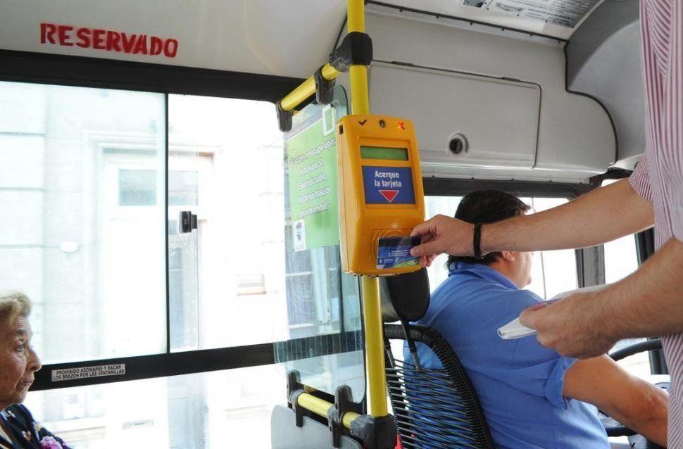 A los empresarios del transporte no les alcanza la suba fijada para el boleto