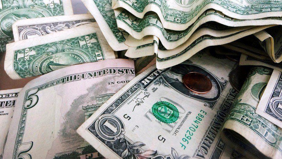 El dólar saltó 3% y terminó por primera vez arriba de los $40