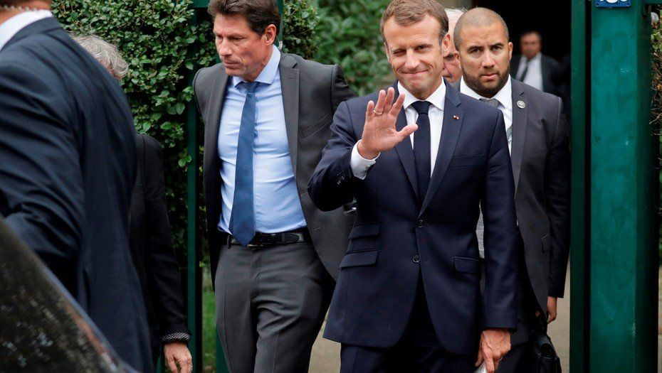 Emmanuel Macron lanza un programa contra la pobreza en Francia