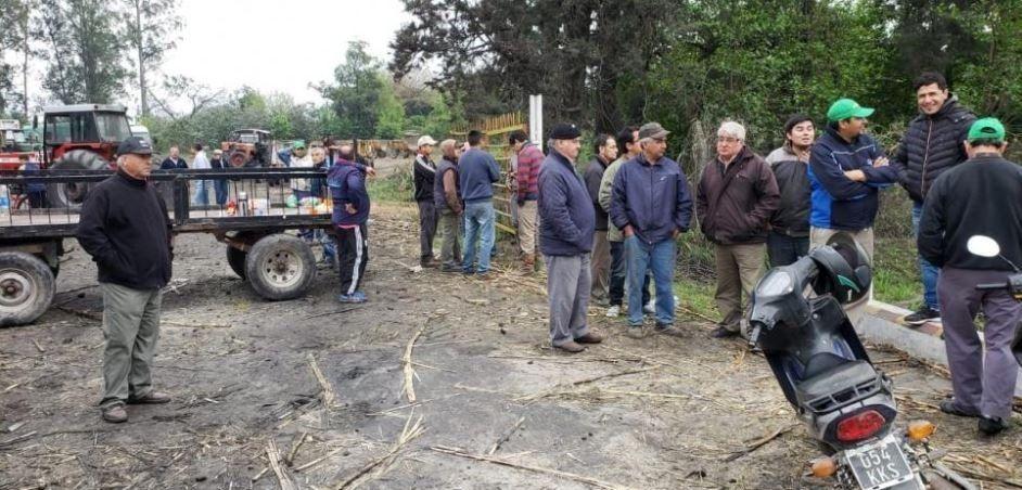 Cañeros protestan frente a las puertas del Ingenio Ñuñorco