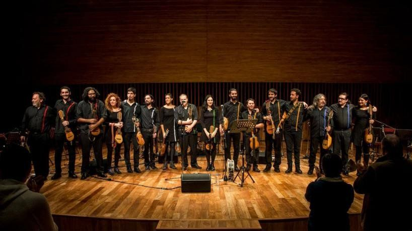 La Orquesta Argentina de Charangos se presenta este sábado