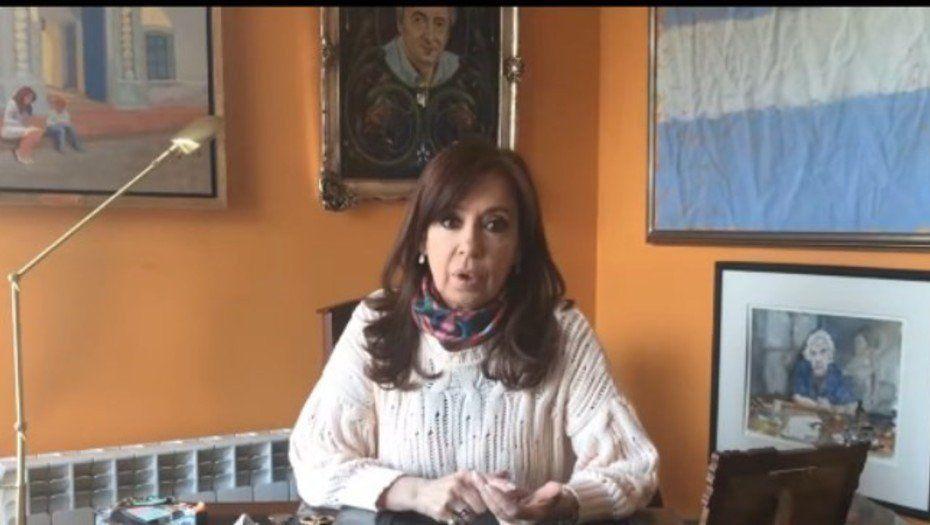 Cristina Kirchner filmó un video para denunciar que Bonadio le sacó varias obras de arte