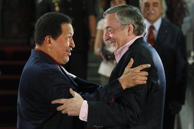 Un arrepentido declaró que Néstor Kirchner y Hugo Chávez se quedaron con 50 millones de dólares