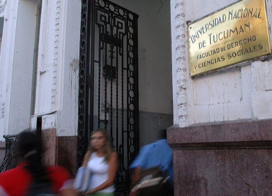Estudiantes de Derecho denuncian que fueron obligados a cambiar a otro plan de estudios