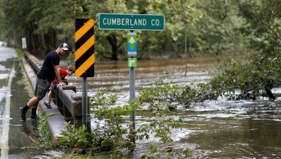 Los afectados por el huracán Florence aguardan la visita de Trump
