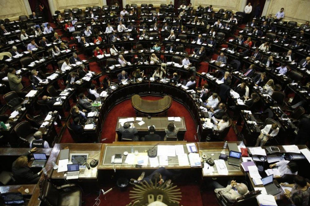 Diputados retoma el presupuesto y apunta al FMI por el acuerdo