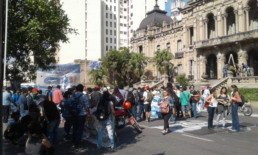 Regino Amado recibió a los trabajadores despedidos de Molinos Cañuelas