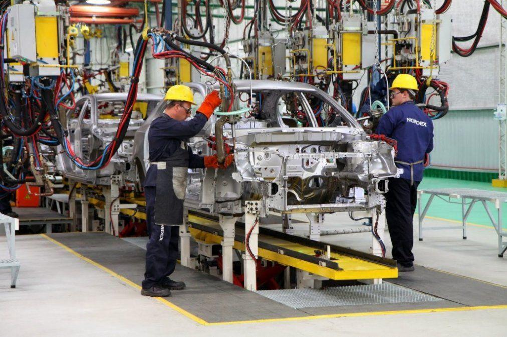 Sigue en caída la utilización de la capacidad instalada en la industria