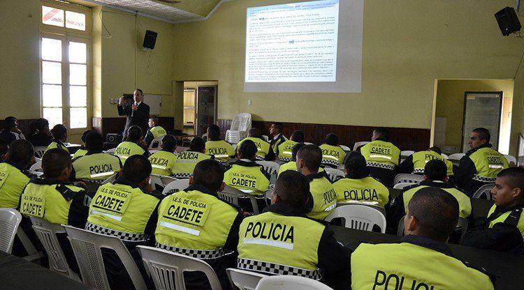 Se incorporan dos materias para el ingreso a la Policía de Tucumán