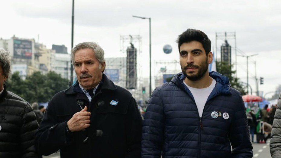 Se divide el massismo: Felipe Solá y Facundo Moyano arman otro bloque peronista