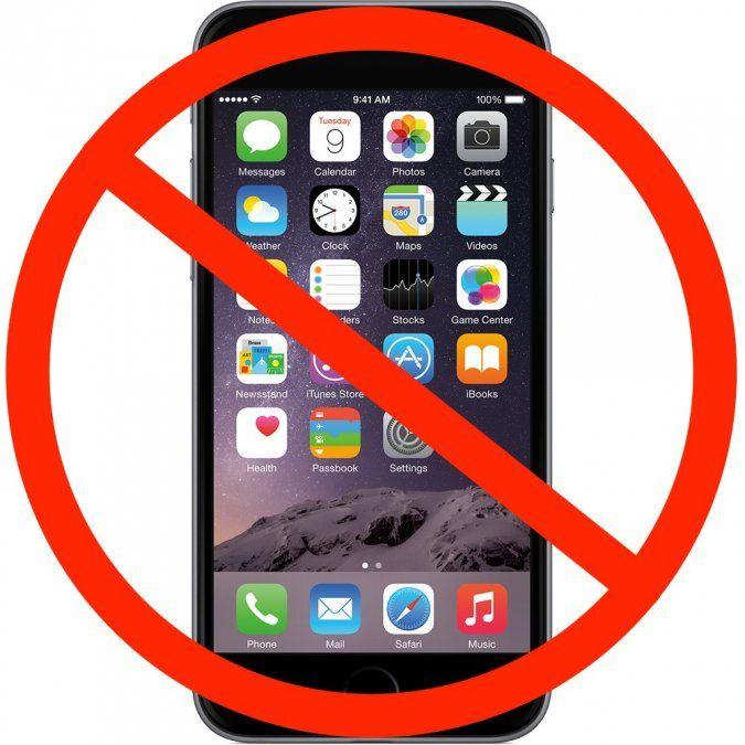 Una escuela bonaerense le dice No a los celulares en las aulas