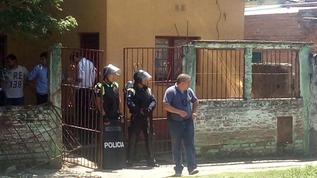 Un enfrentamiento entre bandas deja dos muertos en menos de seis horas en Villa Muñecas
