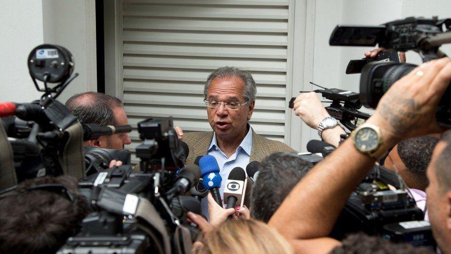 El equipo económico de Bolsonaro ya piensa en un dólar a cinco reales para fin de año