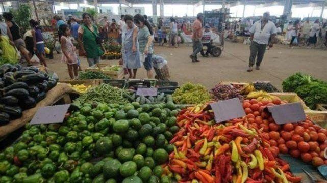 Bajaron los precios de la papa y el tomate, pero se espera un repunte en las frutas