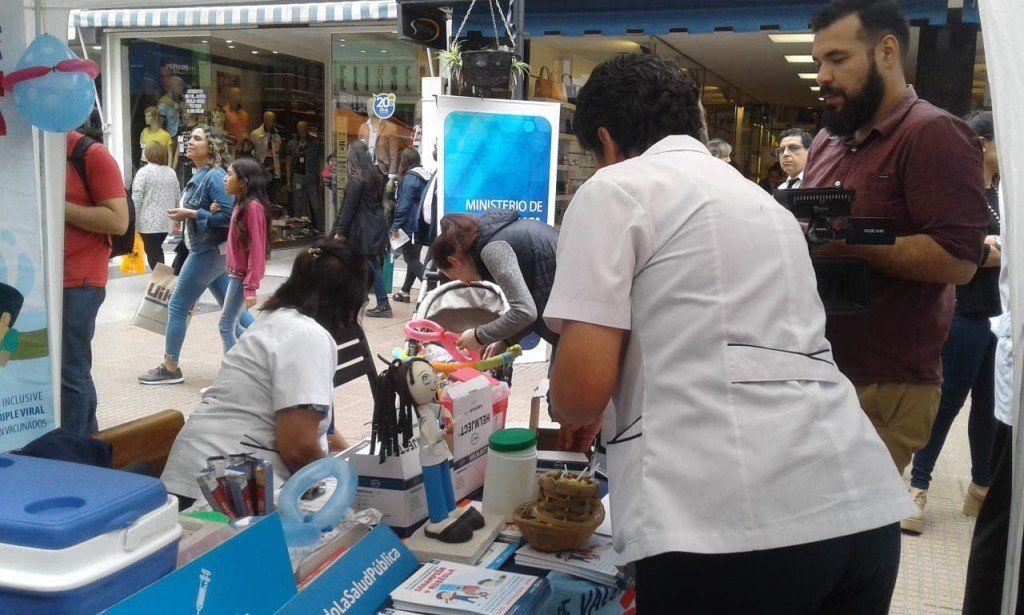 Continúa la campaña de vacunación contra el sarampión y la rubeóla
