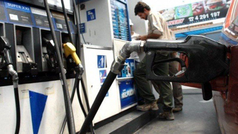 YPF aumentó hasta un 1,74% el precio de sus combustibles