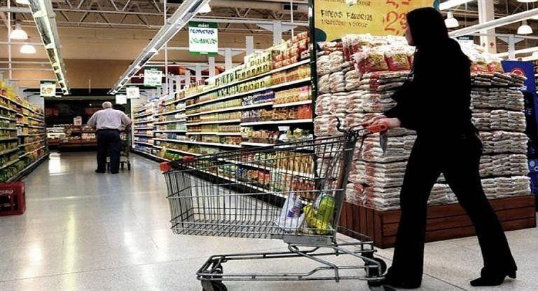 Por inflación y suba de tarifas, estiman una fuerte caída del consumo en el último cuatrimestre del año