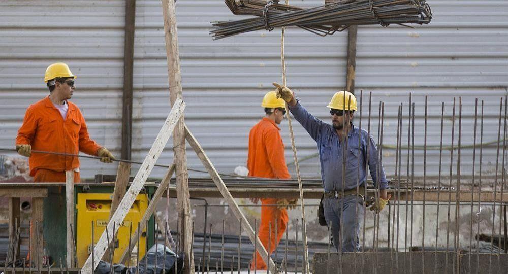 La construcción perdió 5.000 empleos en octubre y ya suman 30.000 desde junio
